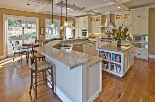 phoca_thumb_l_traditional-kitchen-with-breakfast-bar-pendant-lights-and-granite-countertops-i_g-ist47pdoktr50f0000000000-2bbw4-copy