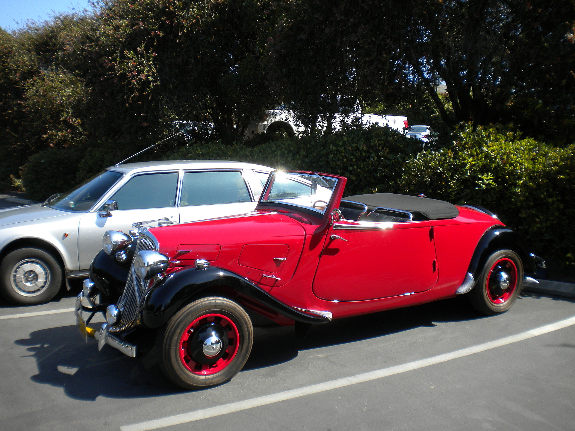 citroen_traction_avant_convertible