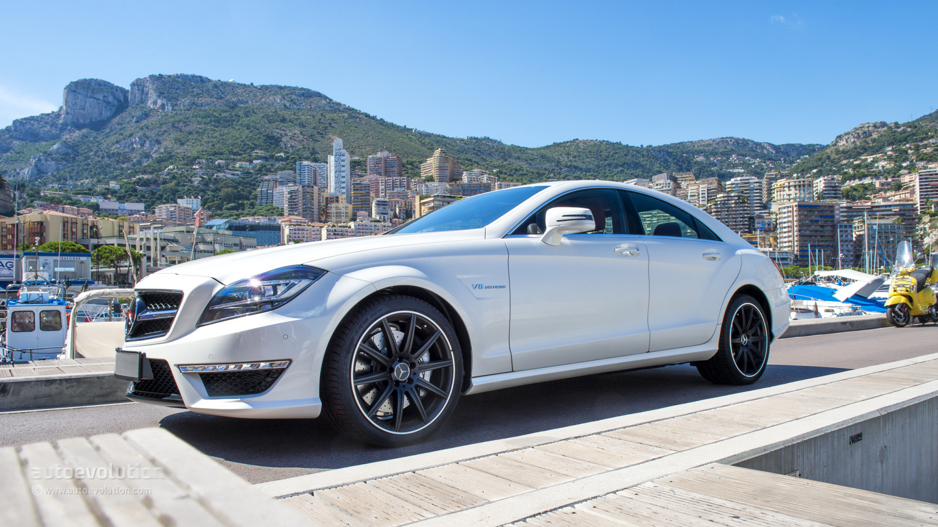 ۲۰۱۴-mercedes-benz-cls63-amg-4matic-review-2013_8