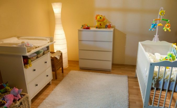 interior-decor-baby-nursery-decorating-ideas-for-a-small-room-perfect-sample-complete-bedding-set-drawers